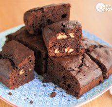 Bizcocho de chocolate con nueces estilo Brownie