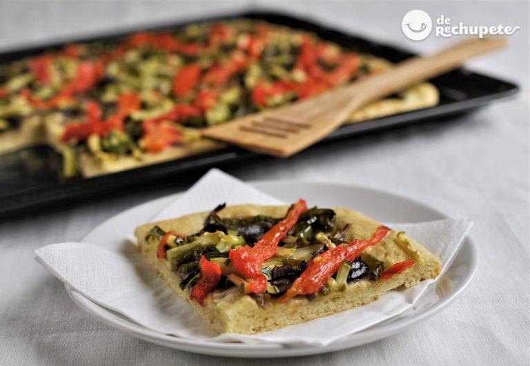 Coca de verduras con masa casera fácil y rápida