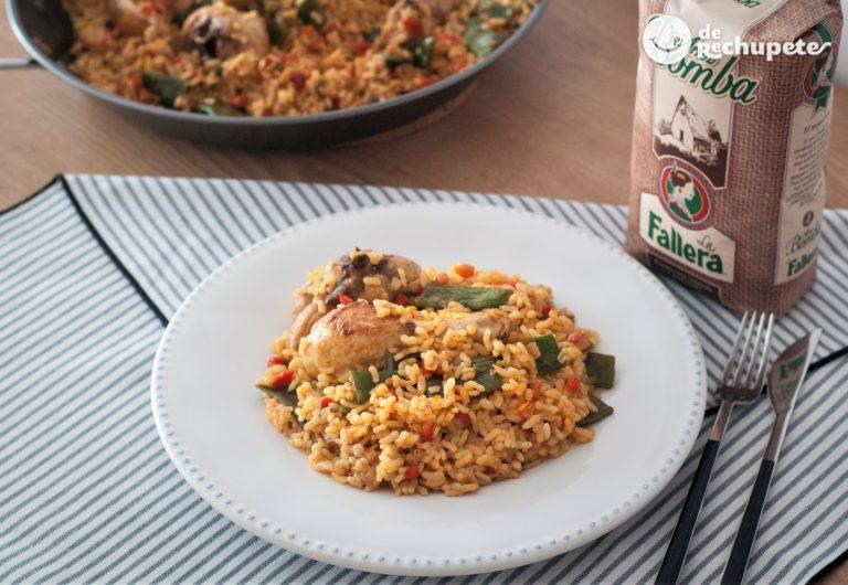 Paella de pollo. Receta de arroz fácil y barata