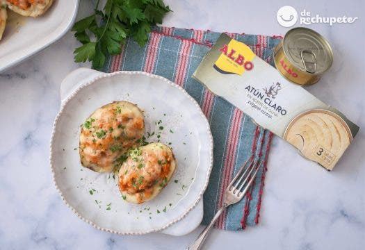 Patatas rellenas de atún