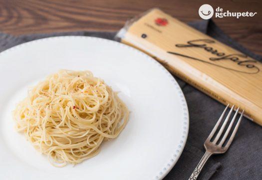Pasta aglio, olio e peperonchino