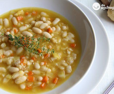 Fassoulada o sopa de alubias griega