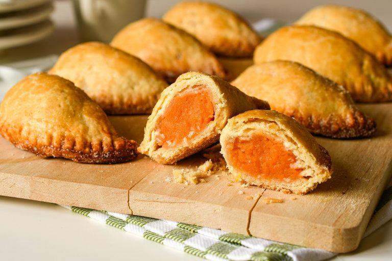 Pasteles de boniato o pastissets de moniato. Receta navideña