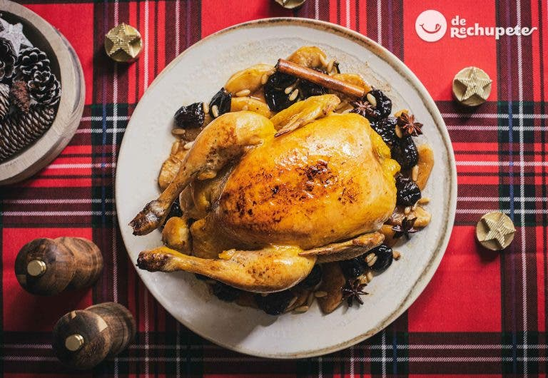 Pollo relleno de butifarra y manzana
