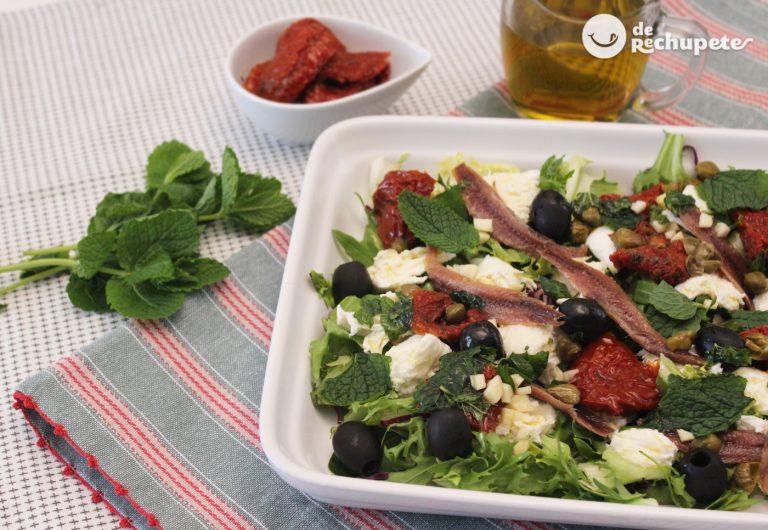 Ensalada mediterránea. Receta ligera, fácil y sabrosa