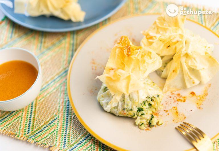 Saquitos de arroz con marisco. Receta fácil y deliciosa para sorprender