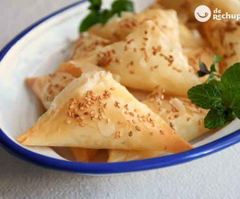 Tiropita griega. Pasteles salados griegos de queso