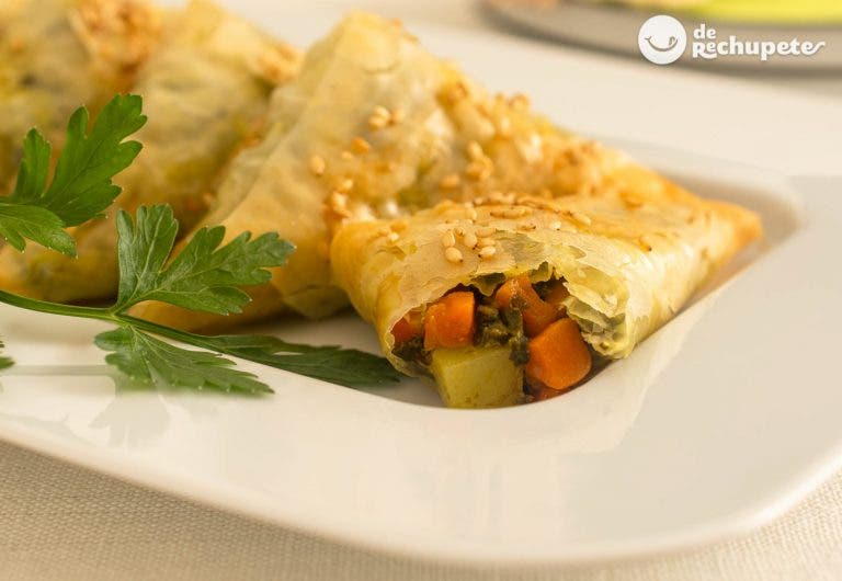 Samosas vegetarianas al horno. Receta saludable y muy rica