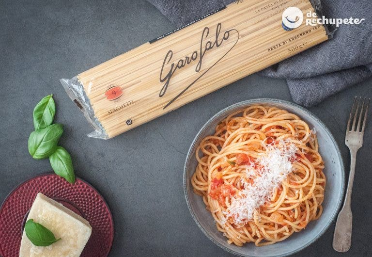Cómo hacer pasta Napolitana. Spaghetti napolitana