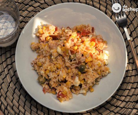 Arroz meloso con atún en conserva. Receta de arroz fácil