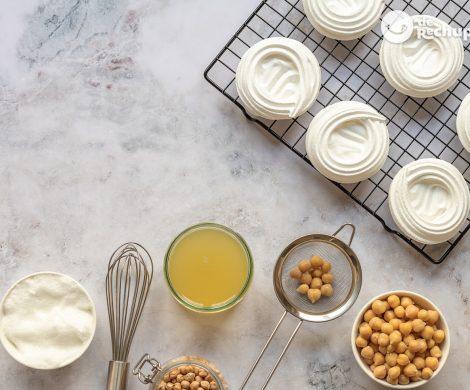Merengue vegano casero con agua de aquafaba. ¿Cómo hornear y hacer galletas de merengue?
