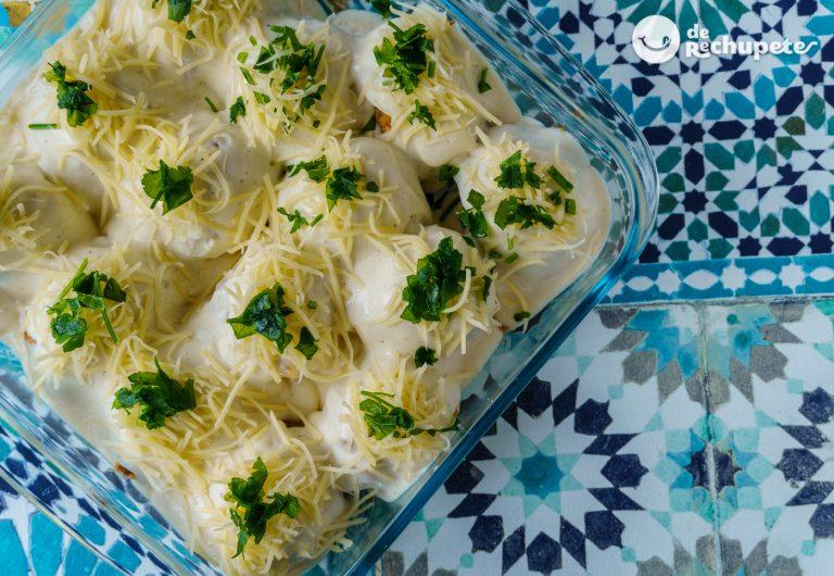 Huevos rellenos al horno con bechamel. Receta deliciosa paso a paso
