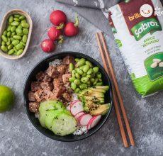 Cómo hacer poke bowl de arroz y atún. Receta sana y deliciosa