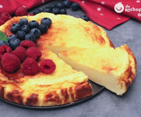 Tarta de yogur griego. Postre cremoso y fácil paso a paso